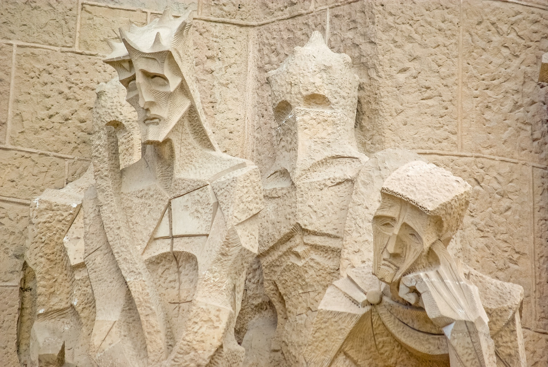 sagrada-familia-tour-passion-facade