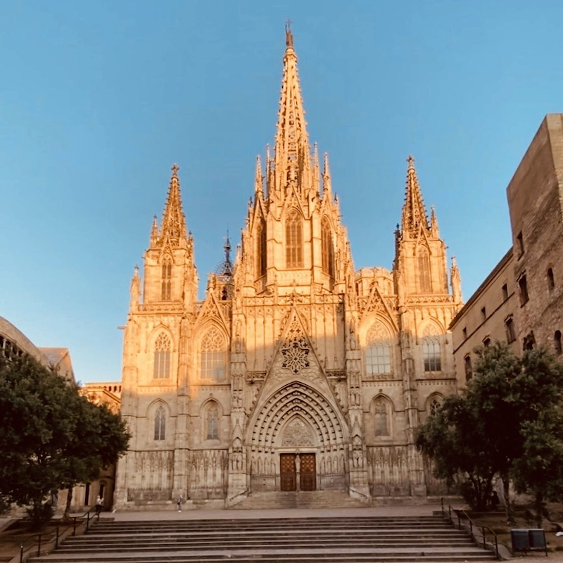 barcelona-gothic-quarter-tour-cathedral