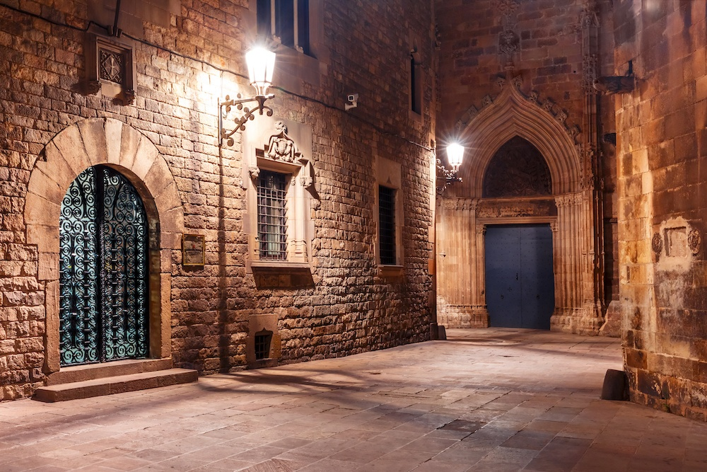 24 hours in Barcelona - Barri Gotic in the evening