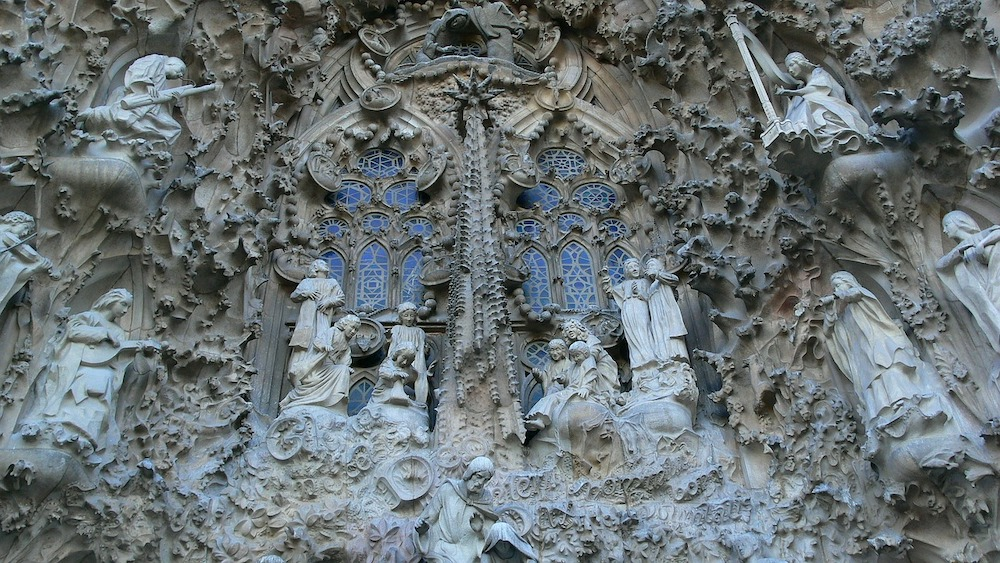 sagrada-familia-tour-nativity-detail