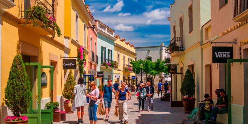 shopping-in-barcelona-la-roca-village