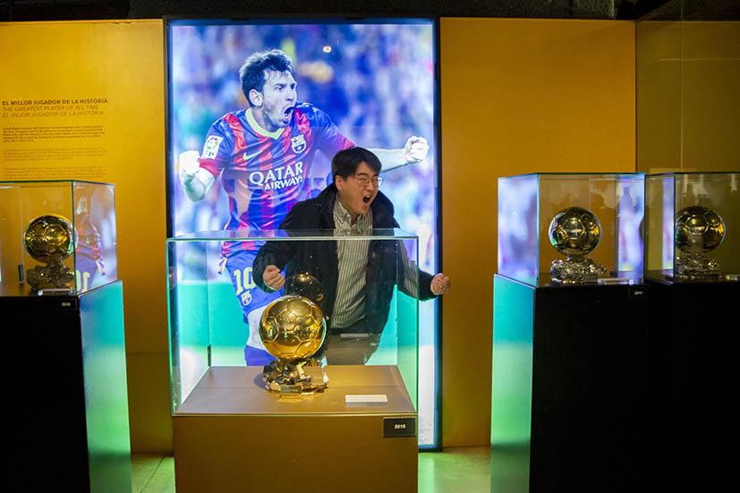 fan in FC Barcelona Museum