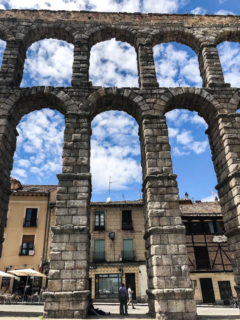 Segovia-from-madrid-aqueduct