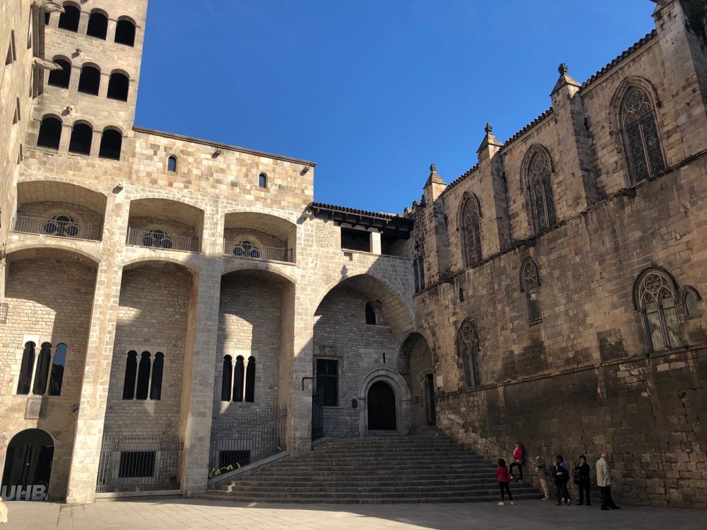 why-visit-barcelona-gothic-quarter
