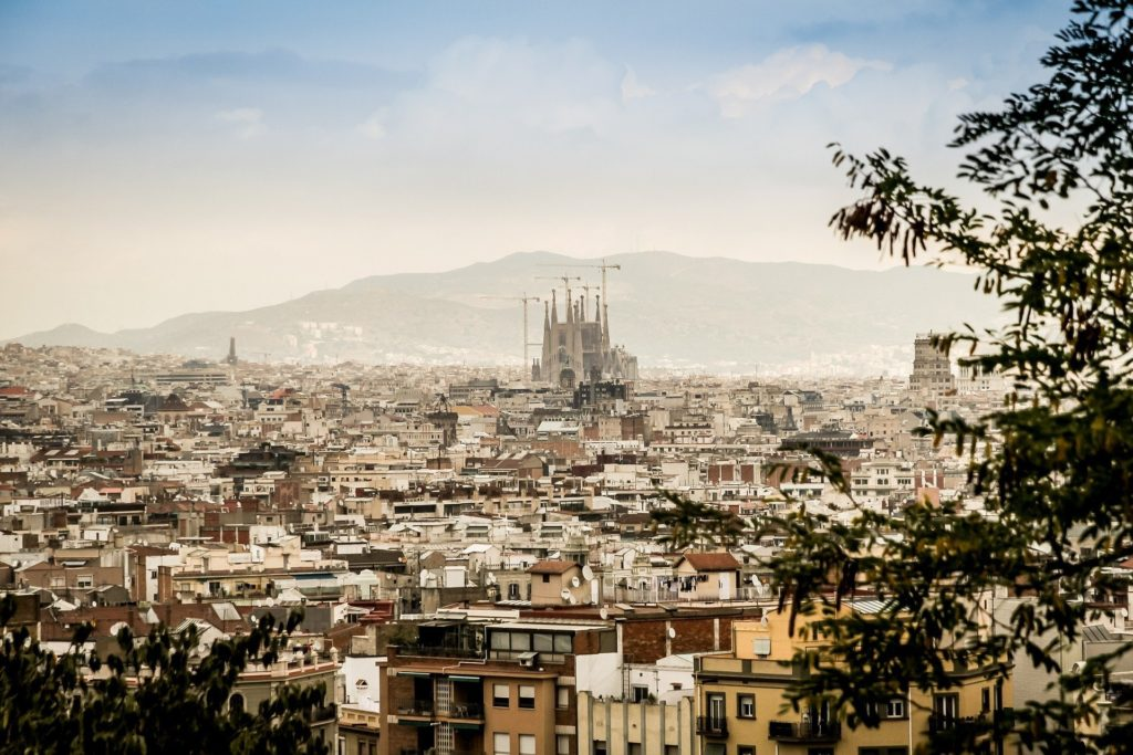 where-to-stay-in-barcelona-cover