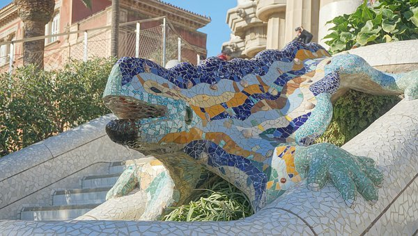 visit-park-guell-in-barcelona